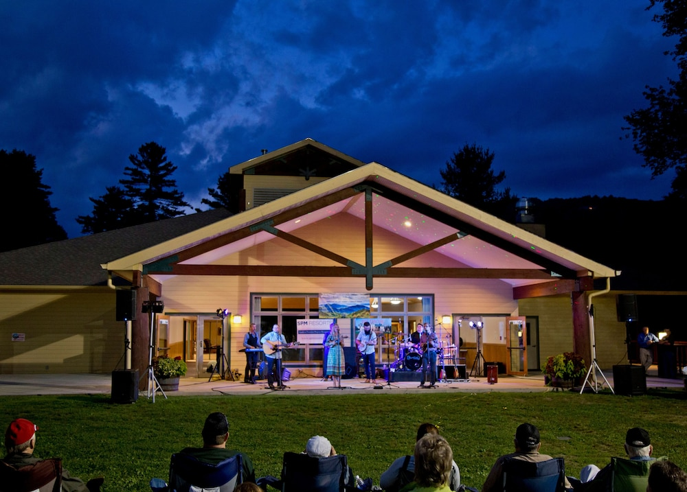 Theater Show, Foxhunt at Sapphire Valley by Capital Vacations