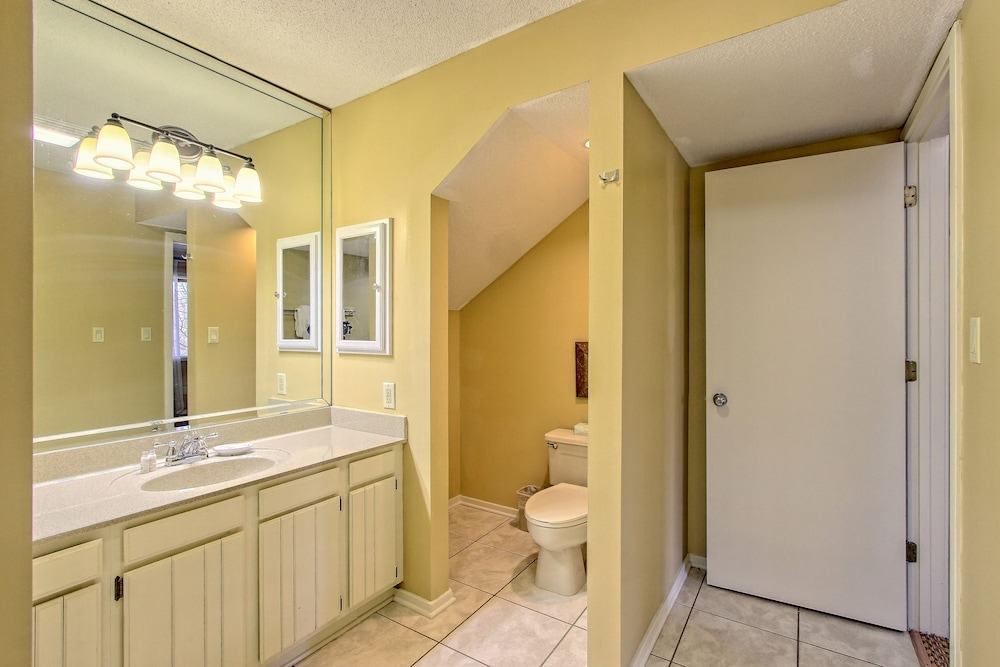 Bathroom, Foxhunt at Sapphire Valley by Capital Vacations