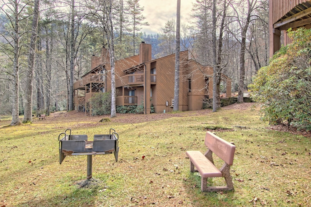 BBQ/Picnic Area, Foxhunt at Sapphire Valley by Capital Vacations