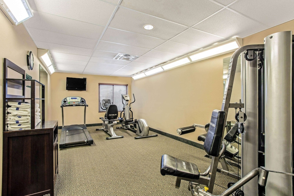Fitness Facility, La Quinta Inn & Suites by Wyndham Biloxi