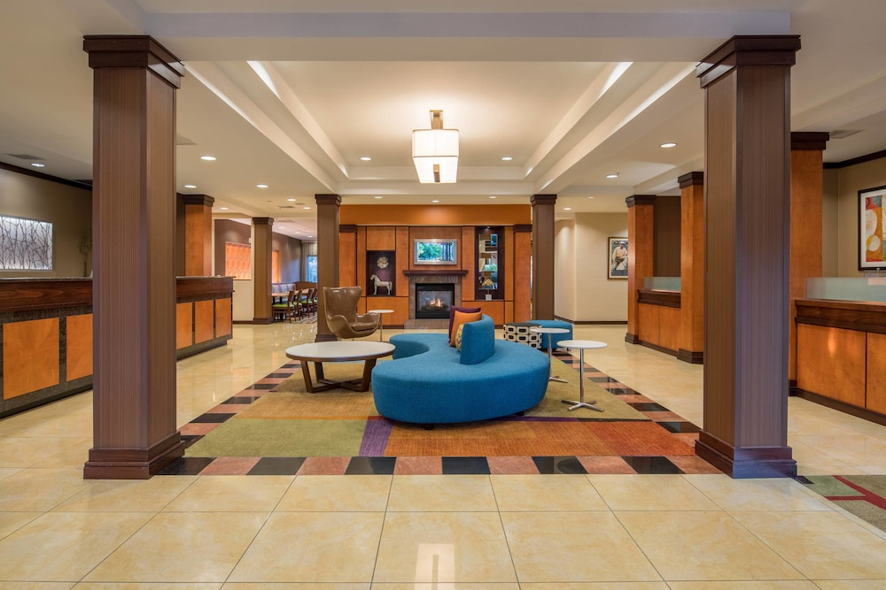 Lobby, Fairfield Inn & Suites by Marriott Portland North