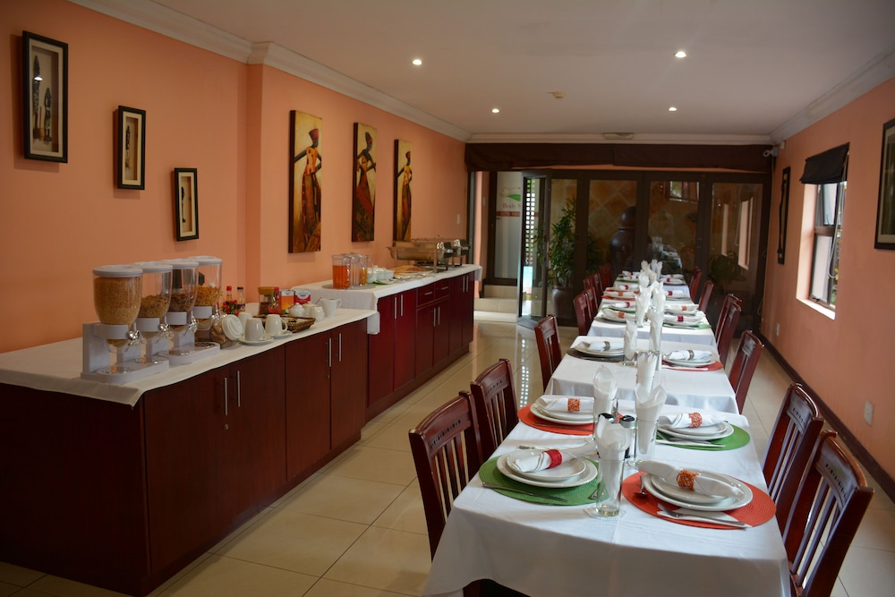 Breakfast Area, Cozy Nest Guest House - Durban North, Natal