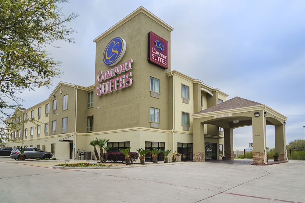 Exterior, Quality Suites North IH 35