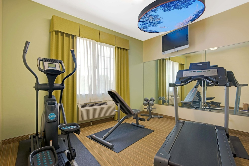 Fitness Facility, Super 8 by Wyndham Austin/Airport North