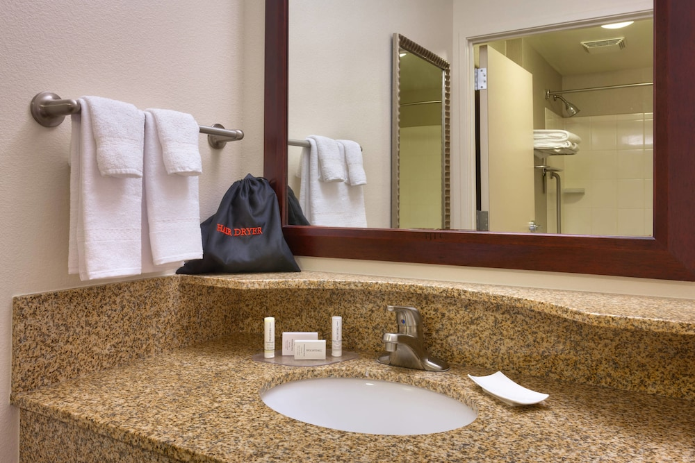 Bathroom, SpringHill Suites Lehi at Thanksgiving Point