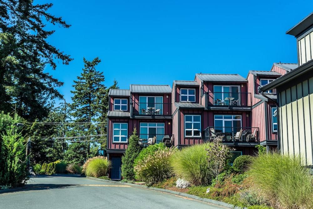 Exterior, Sooke Harbour Resort & Marina