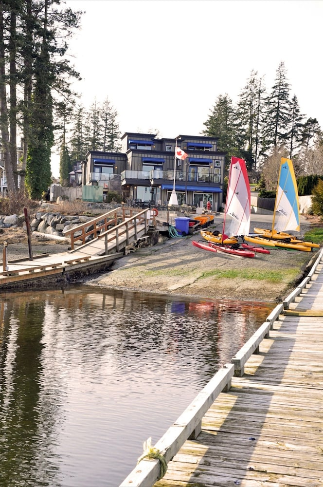 Boating, Sooke Harbour Resort & Marina
