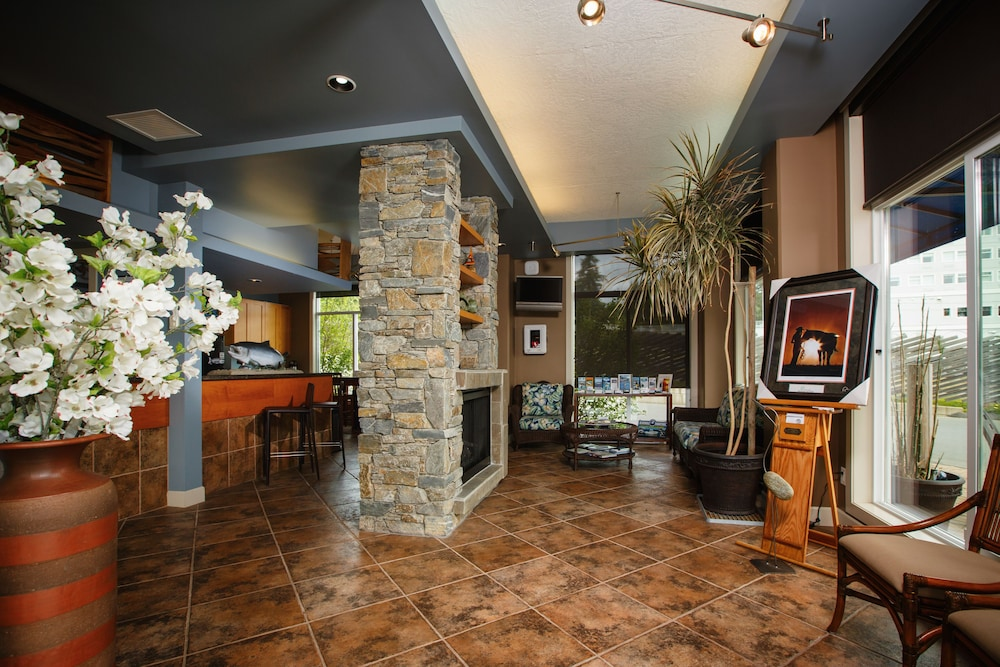 Interior, Sooke Harbour Resort & Marina
