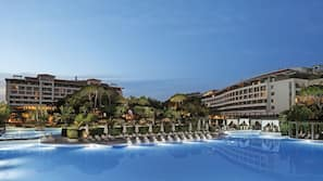 Indoor pool, 4 outdoor pools, free pool cabanas, pool umbrellas