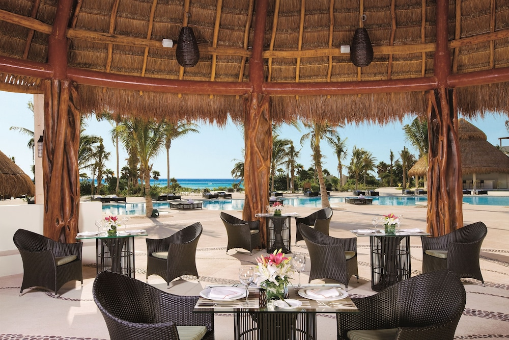 Outdoor Dining, Secrets Maroma Beach Riviera Cancun - Adults Only - All Inclusive