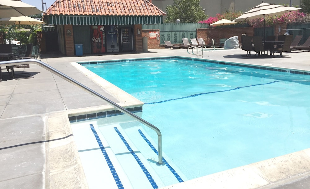 Outdoor Pool, Laguna Hills Lodge