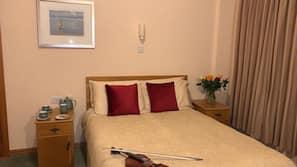 10 chambres, décoration personnalisée, ameublement personnalisé, bureau