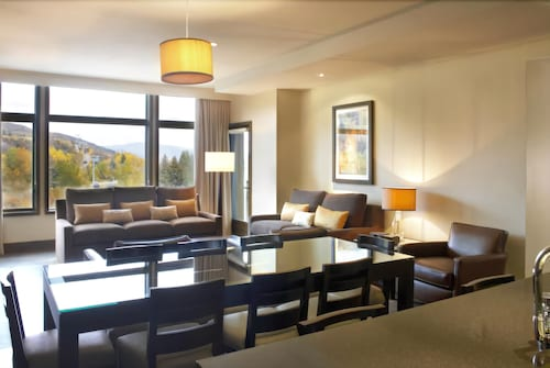 Living Area, The Westin Riverfront Resort & Spa, Avon, Vail Valley