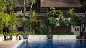 4 個室外泳池