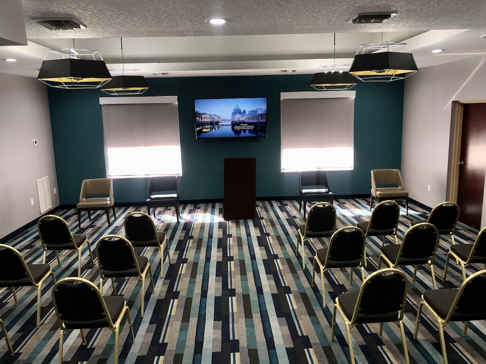 Meeting Facility, La Quinta Inn & Suites by Wyndham Tampa Central