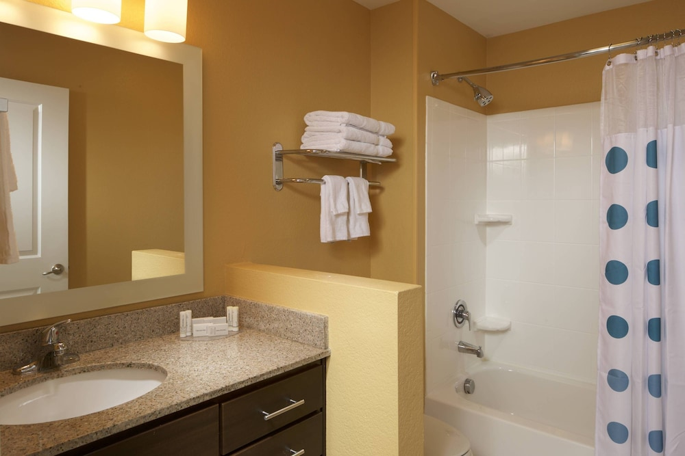 Bathroom, TownePlace Suites by Marriott Jacksonville