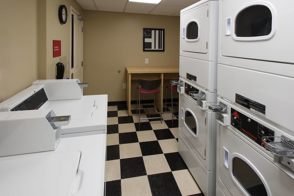 Laundry, TownePlace Suites by Marriott Jacksonville