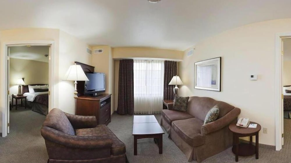 Living Room, Staybridge Suites Akron-Stow-Cuyahoga Falls, an IHG Hotel