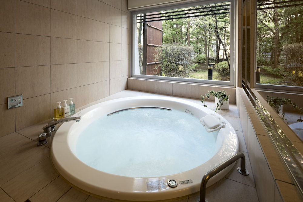 Jetted Tub, Sapporo Grand Hotel