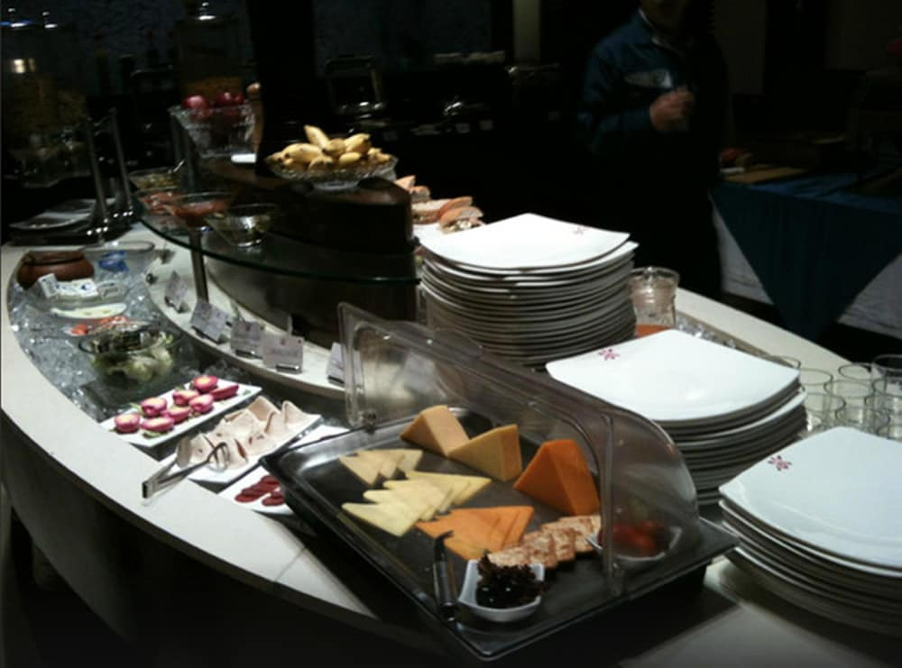 Buffet, Royal Orchid Central Pune