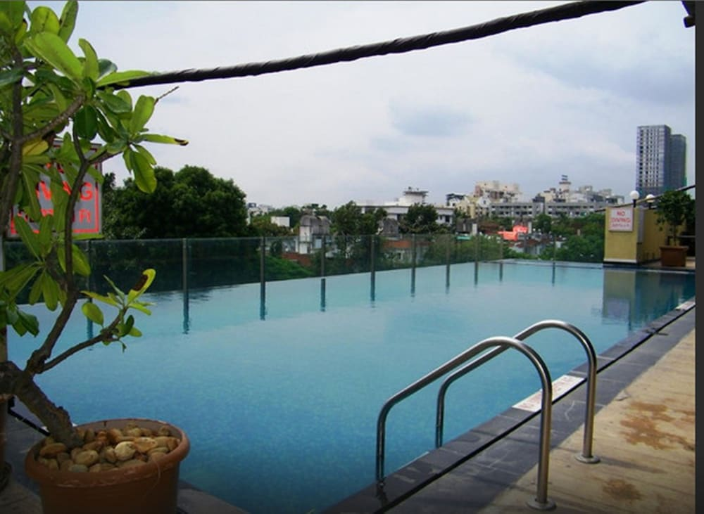 Pool, Royal Orchid Central Pune