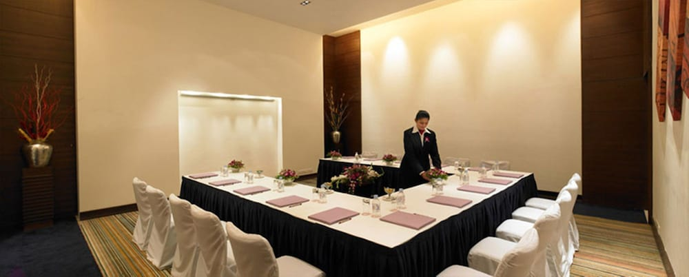 Meeting Facility, Royal Orchid Central Pune