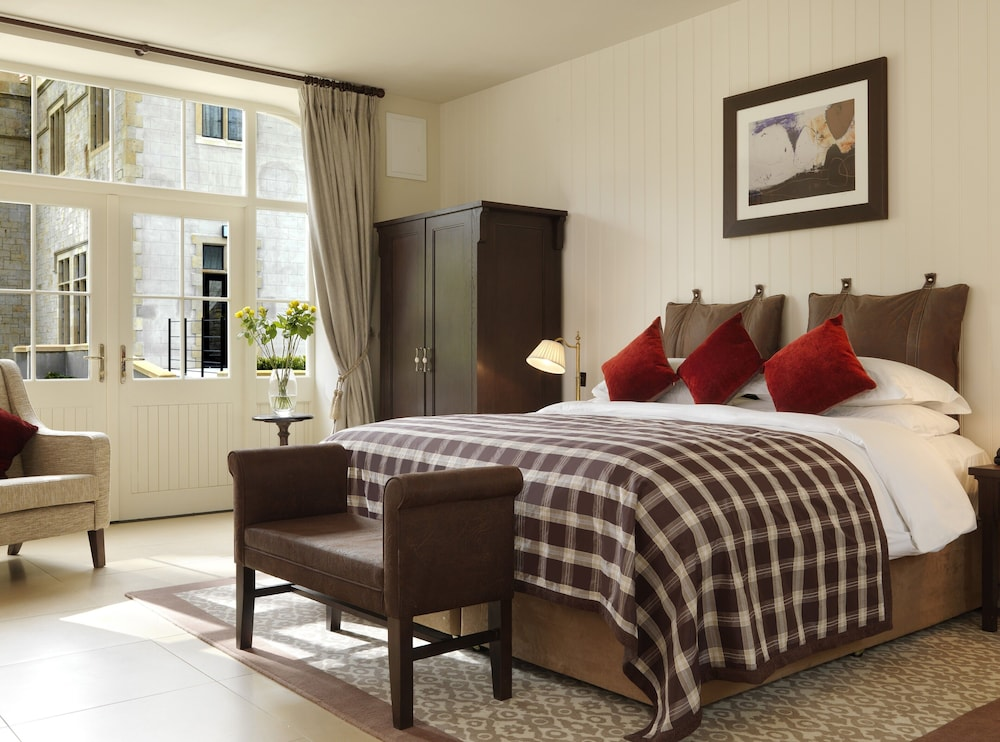 Room, Lough Eske Castle