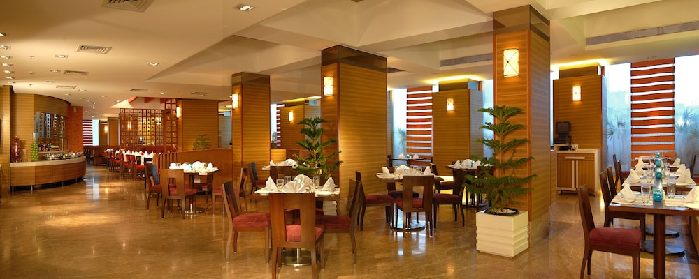 Breakfast Area, Radisson Mumbai Goregaon