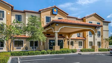 Comfort Inn & Suites Northeast - Gateway