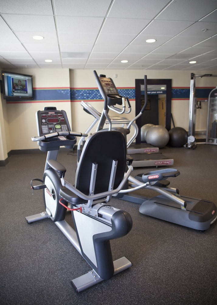 Gym, Hampton Inn & Suites Pittsburg