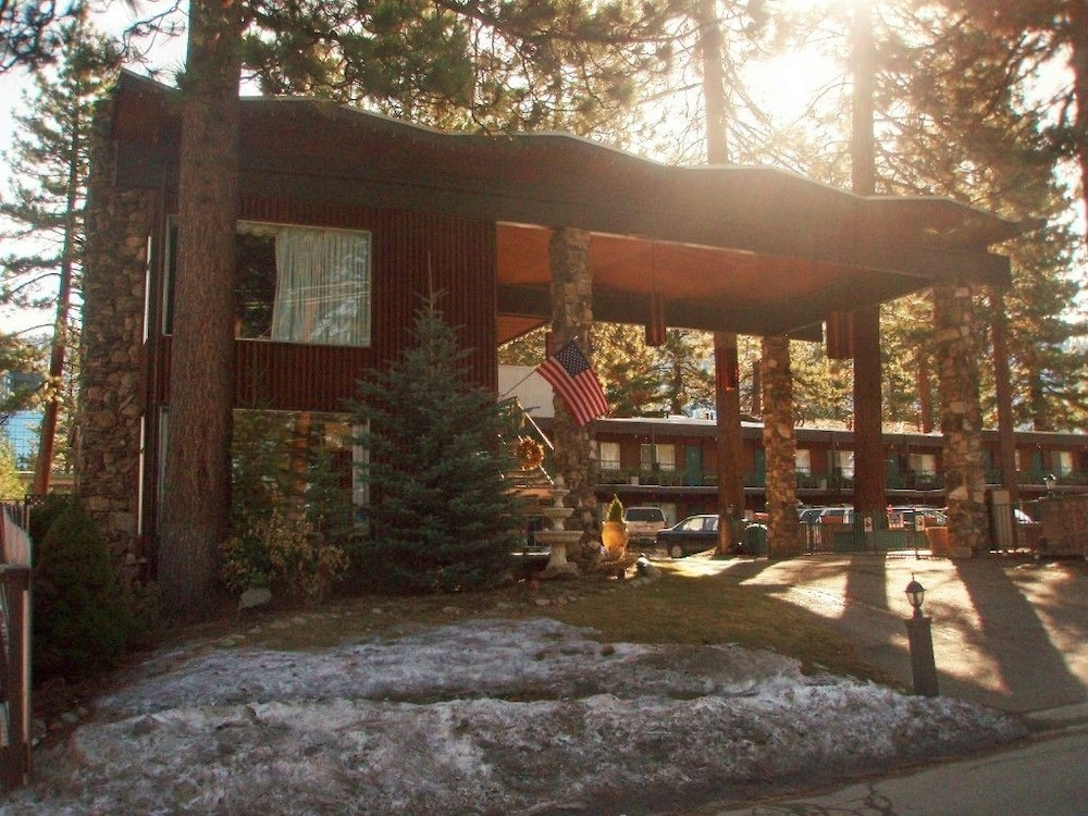 Featured Image, Lake Tahoe Ambassador Lodge