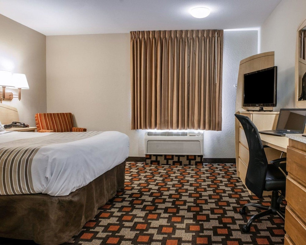 Suburban Extended Stay Northeast, Indianapolis - Room Prices ...