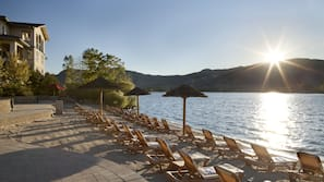 Private beach, sun-loungers, beach towels