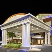 Holiday Inn Express & Suites Foley
