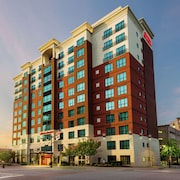 Hampton Inn & Suites National Harbor - Alexandria Area
