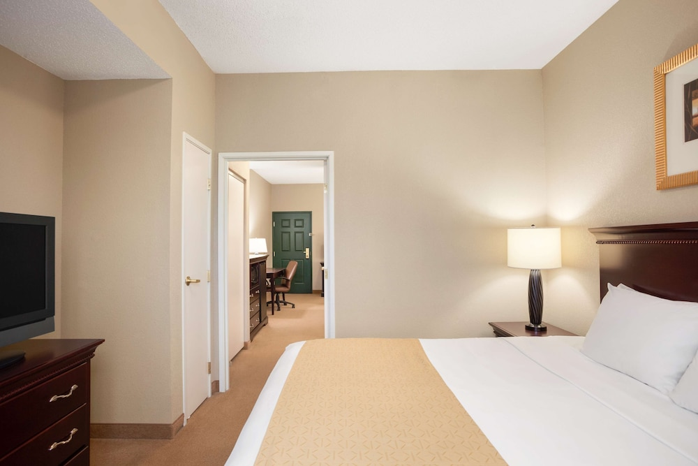 Room, Country Inn & Suites by Radisson, Ithaca, NY