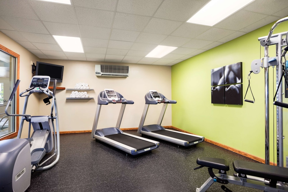 Fitness Facility, Country Inn & Suites by Radisson, Ithaca, NY