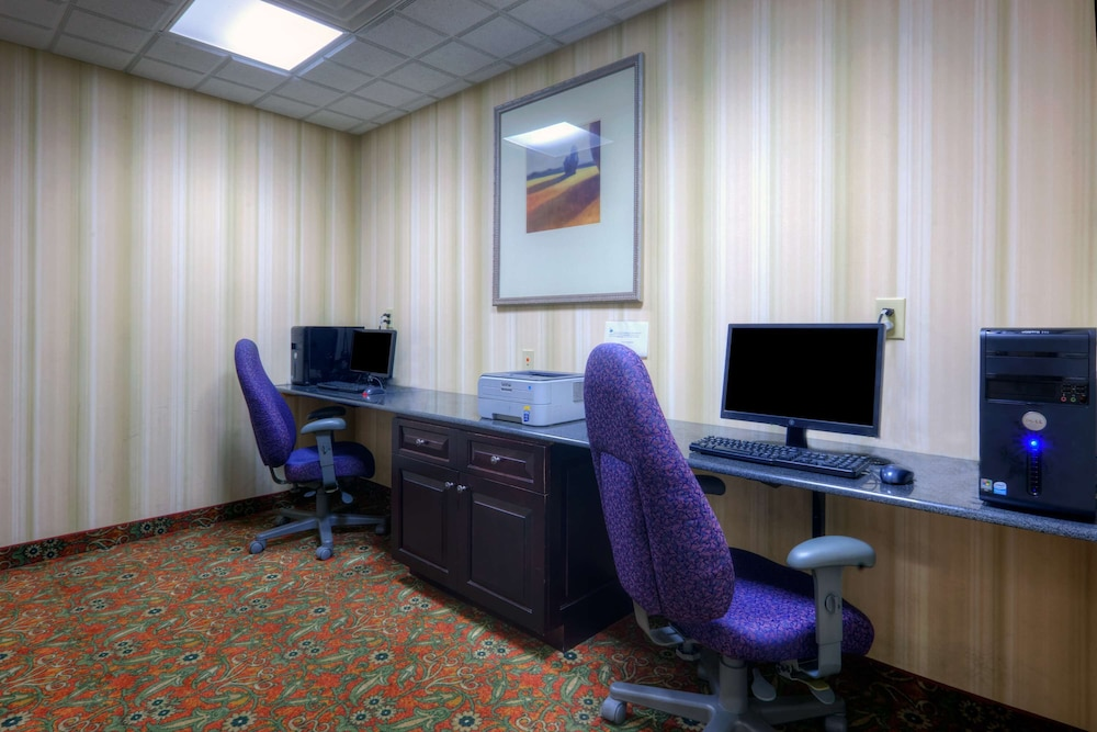 Business Center, Country Inn & Suites by Radisson, Petersburg, VA