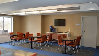 Holiday Inn Express Hotel & Suites Vestal