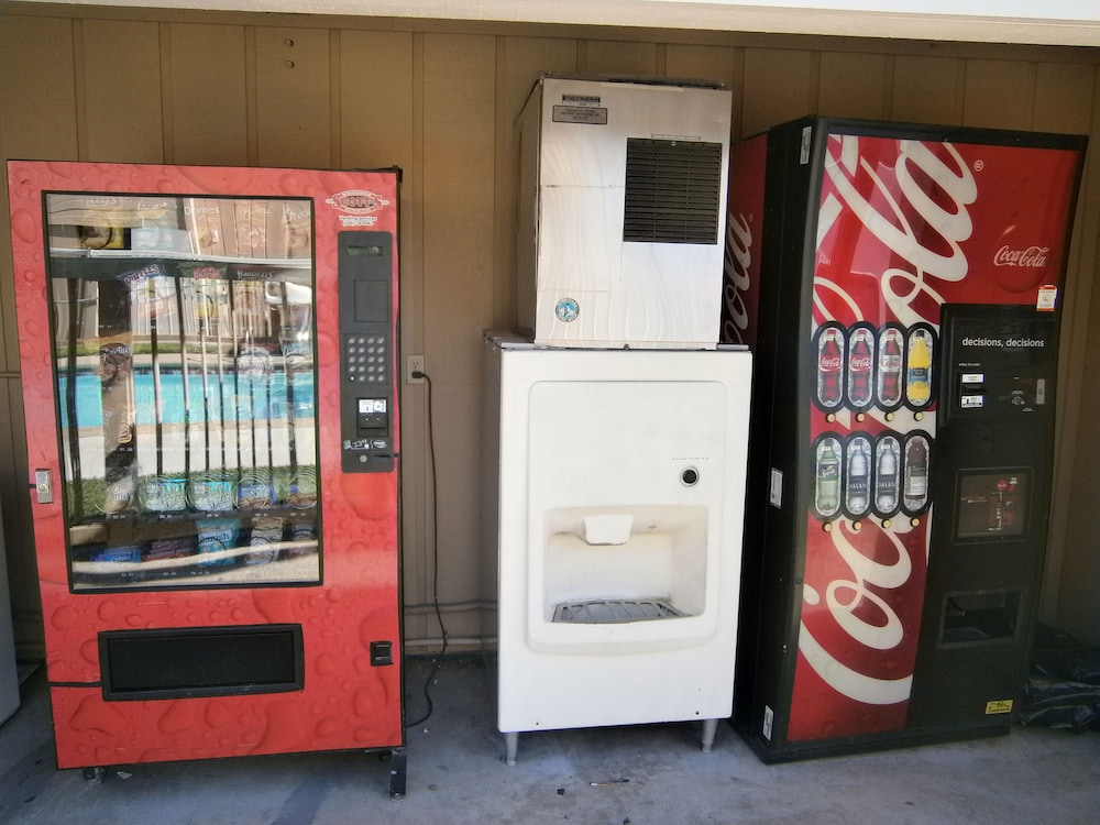 Vending Machine, Travelodge by Wyndham Angels Camp CA