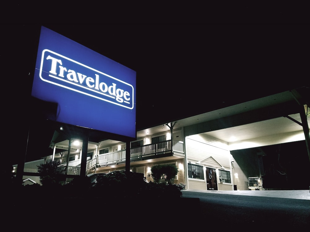 Front of Property - Evening/Night, Travelodge by Wyndham Angels Camp CA