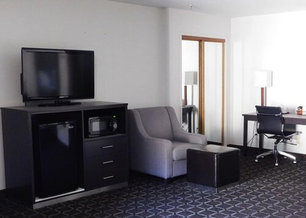 Living Area, Travelodge by Wyndham Angels Camp CA