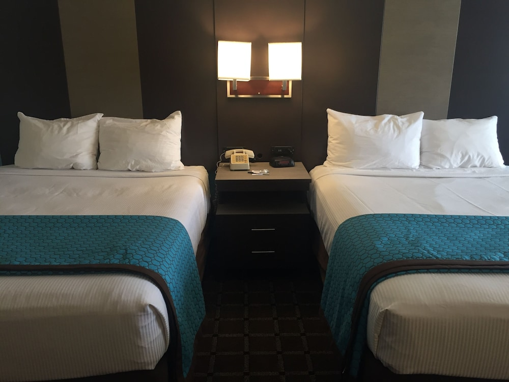 Room, Travelodge by Wyndham Angels Camp CA