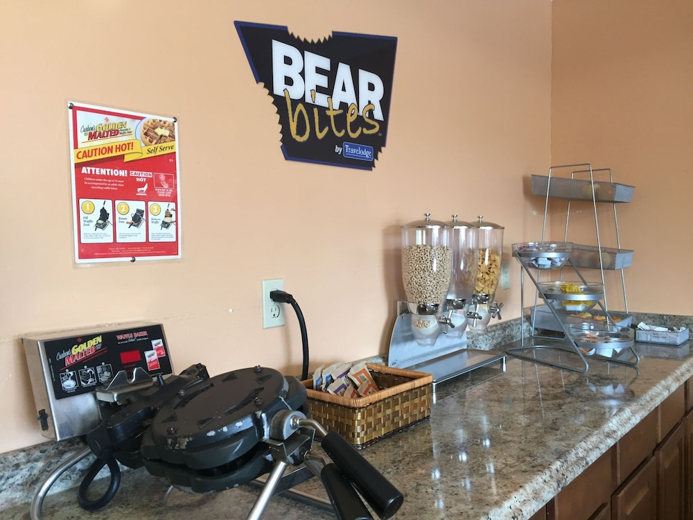 Snack Bar, Travelodge by Wyndham Angels Camp CA