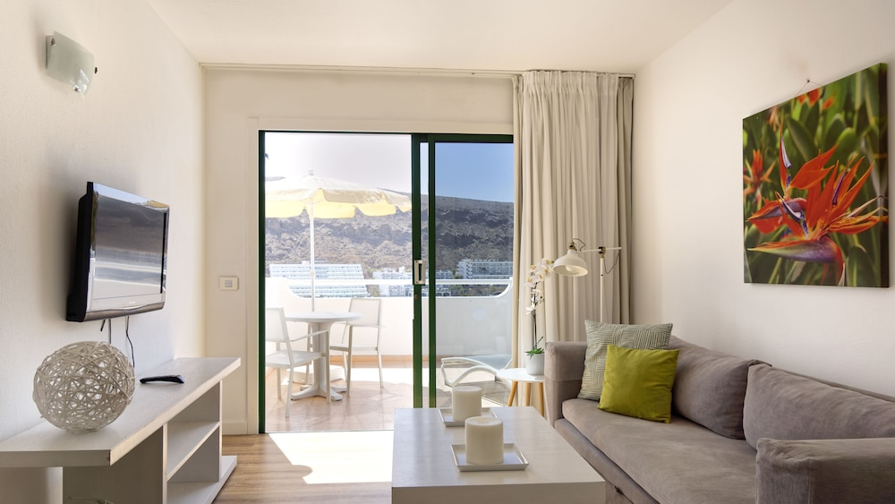 Living Room, Canaima Apartments - Adults Only