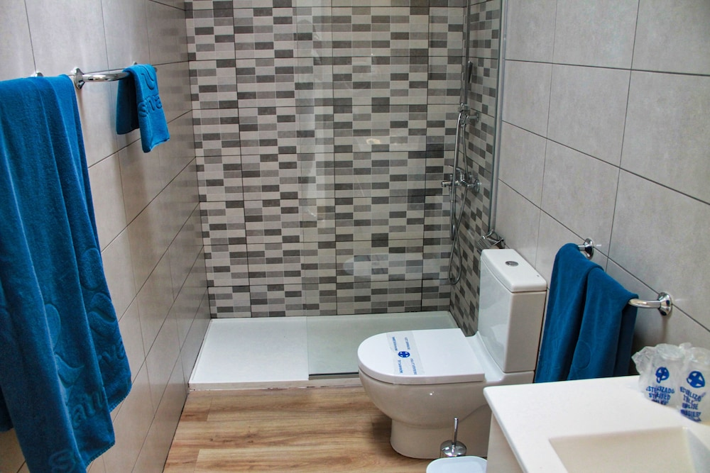 Bathroom, Canaima Apartments - Adults Only