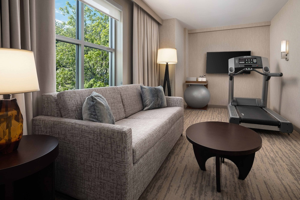 Living Area, The Westin Reston Heights