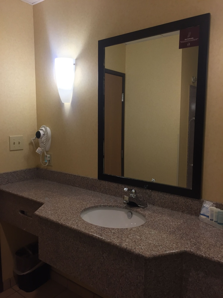 Sleep inn suites fort stockton fort stockton usa for H bathrooms stockton