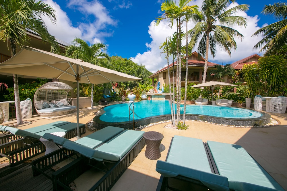 Outdoor Pool, Le Duc de Praslin