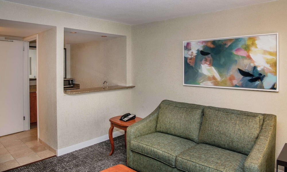 Living Area, Hampton Inn Parsippany